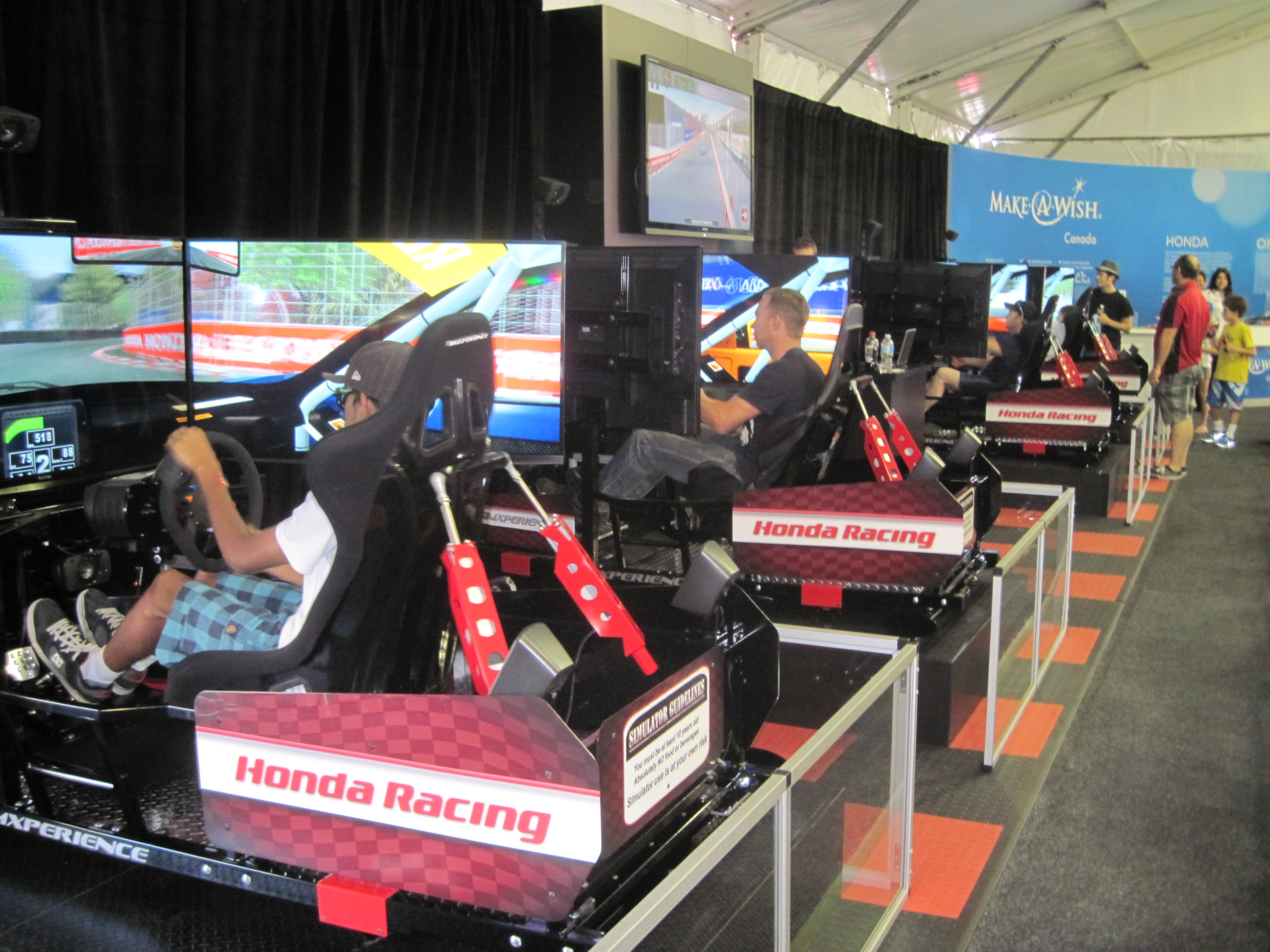 SimXperience Racing Simulators Entertain Race Fans and Drivers at Honda Indy Toronto
